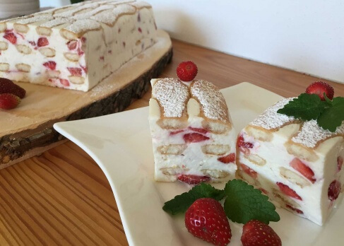 Erdbeer-Topfen-Tiramisu