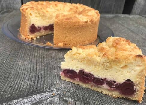 Kirsch-Streusel-Torte