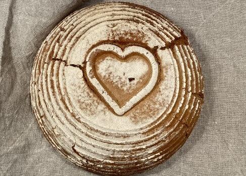 Weizenbrot mit Herz